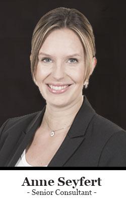 https://flowcon-unternehmensberatung.de/wp-content/uploads/2019/07/Berater-Team-Frau-Anne-Seyfert-Flowcon-Unternehmensberatung.jpg